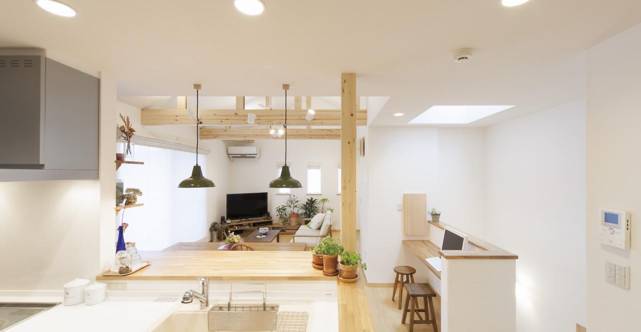 ナチュラル感覚で作り上げた、土間空間と大きなリビングの家